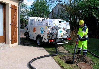 Débouchage haute pression des canalisations par un professionnel